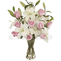 bouquet-di-gigli-bianchi-rose-rosa